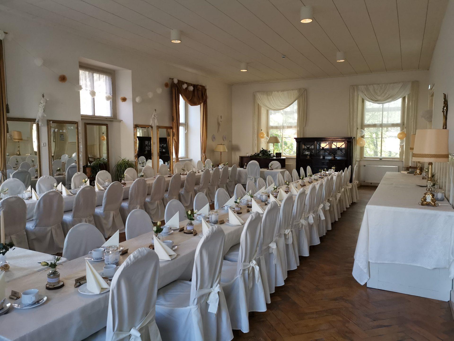 Hochzeits- und Spiegelsaal im Schloss